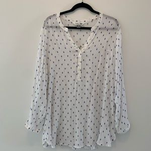 Old navy white and blue tribal print long sleeve